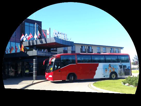 biało-czerwony bus trans bus przewozy krajowe